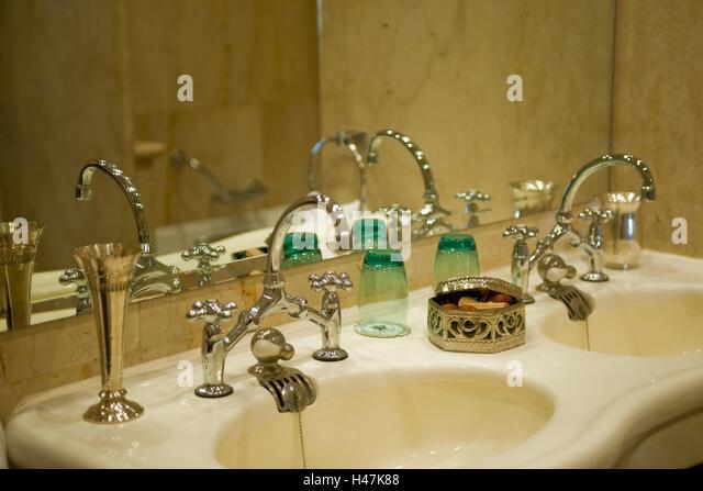Bathroom suites stock photos bathroom suites stock for Luxor baths