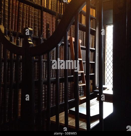ancient-books-at-chethams-library-in-man