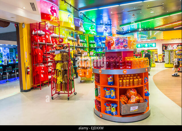 Grocery stores on the strip in las vegas