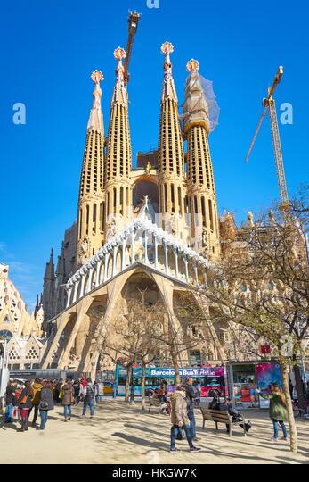 Barcelona sagrada familia antoni gaudi stock photos for Kathedrale barcelona gaudi
