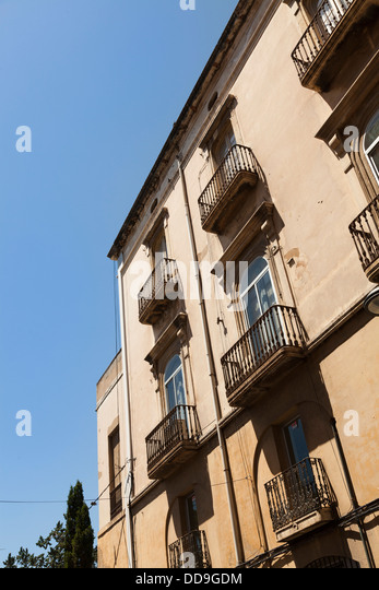 Juliet balcony stock photos juliet balcony stock images for Balcony in spanish