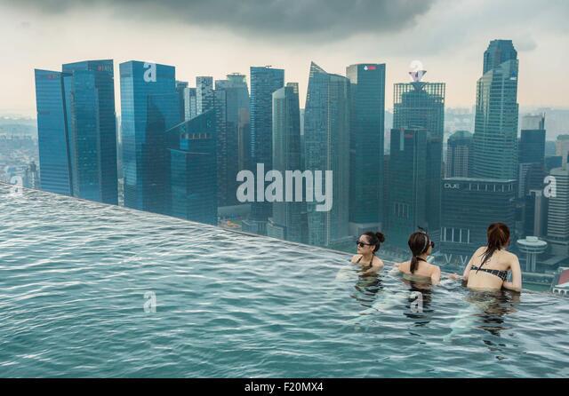 Marina bay sands singapore pool stock photos marina bay - Hotel singapore swimming pool on roof ...