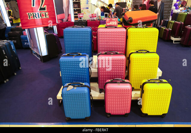 Luggage Sale Stock Photos & Luggage Sale Stock Images - Alamy