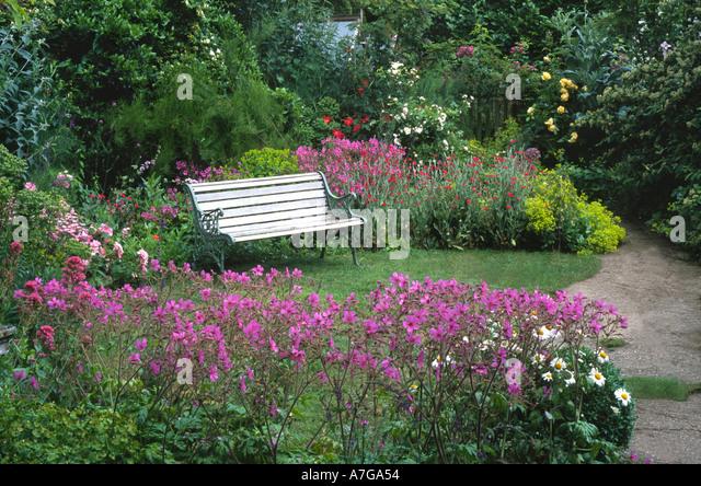 Cottage Garden Norfolk England Uk Stock Photos Cottage Garden