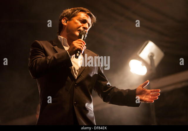 fado singer stock photos fado singer stock images alamy. Black Bedroom Furniture Sets. Home Design Ideas