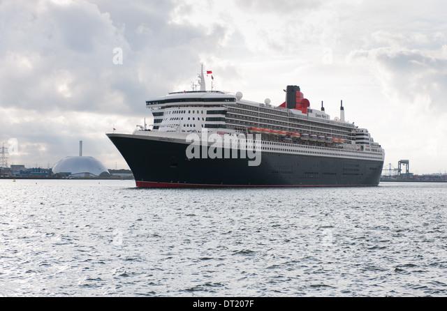 Queen Mary 2 Southampton Stock Photos Amp Queen Mary 2