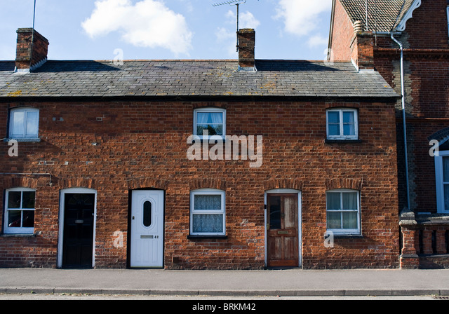 Red brick terraced houses stock photos red brick for Whats a terraced house