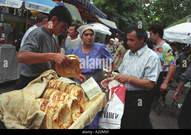 tashkent uzbekistan bread stockfotos tashkent uzbekistan bread bilder alamy. Black Bedroom Furniture Sets. Home Design Ideas