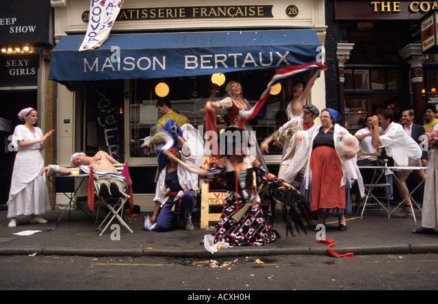 Caf Ef Bf Bd Paris Prise