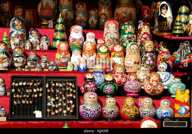 russian dolls souvenirs st petersburg stockfotos russian dolls souvenirs st petersburg bilder. Black Bedroom Furniture Sets. Home Design Ideas