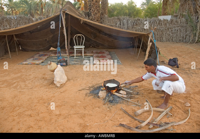 tunisia desert oasis tozeur stockfotos tunisia desert. Black Bedroom Furniture Sets. Home Design Ideas