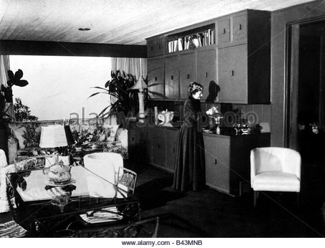 Fontaine, Joan, * 22.10.1917, US Amerikanische Schauspielerin,  Ganzkörperansicht,
