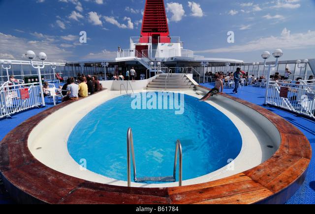 ferry car deck stockfotos ferry car deck bilder alamy. Black Bedroom Furniture Sets. Home Design Ideas