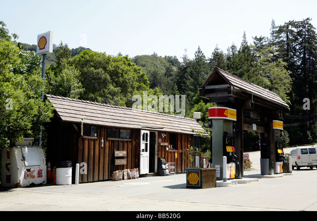 shell gas station stockfotos shell gas station bilder alamy. Black Bedroom Furniture Sets. Home Design Ideas