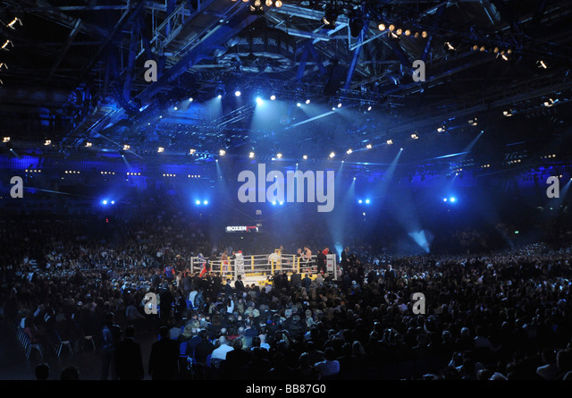 boxing arena stockfotos boxing arena bilder alamy. Black Bedroom Furniture Sets. Home Design Ideas