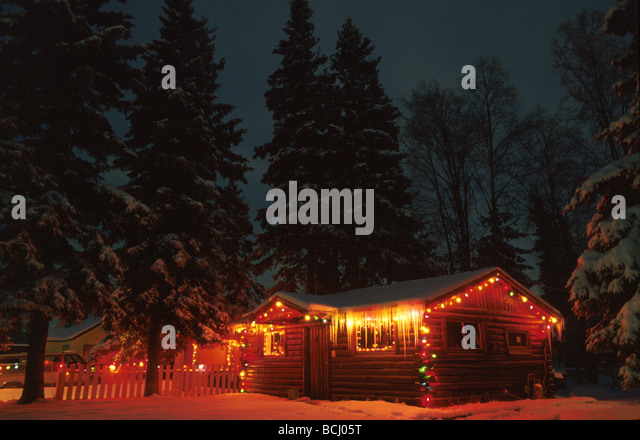 log cabin exterior night stockfotos log cabin exterior. Black Bedroom Furniture Sets. Home Design Ideas