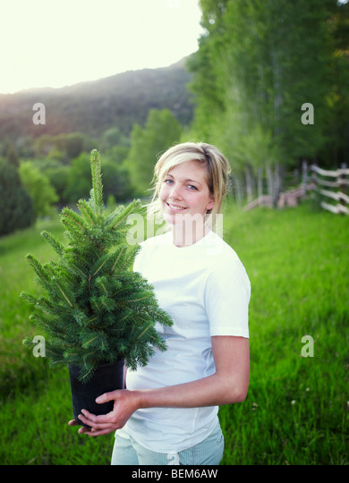 Female working garden stockfotos female working garden for Garten arbeiten