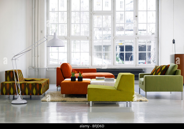 Patterned sofas stockfotos patterned sofas bilder alamy for Sofa schweden
