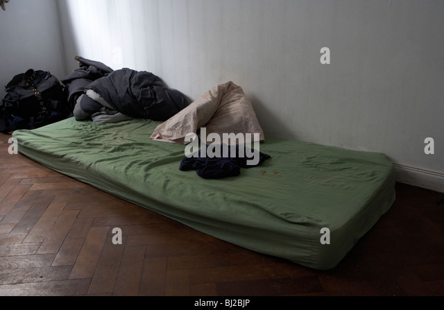 poor housing stockfotos poor housing bilder alamy. Black Bedroom Furniture Sets. Home Design Ideas