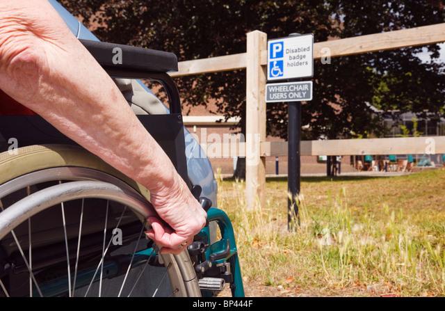 Wheelchair stockfotos wheelchair bilder alamy - Treppe rampe fur rollstuhl ...