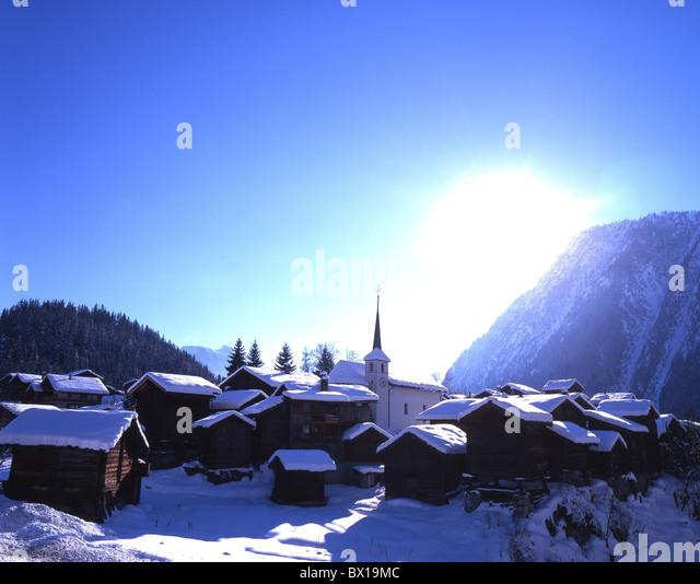 Haus Berge: Winter Blatten Village Valais Switzerland Stockfotos