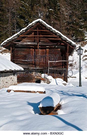 Walser mountain house stockfotos walser mountain house for Traditionelles deutsches haus