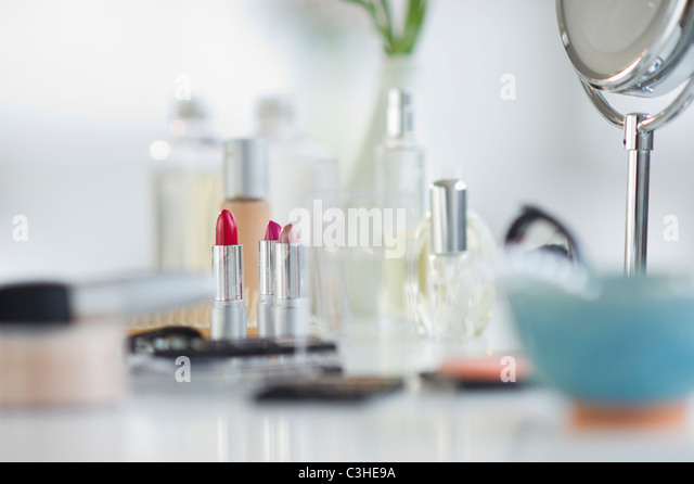 cosmetics stockfotos cosmetics bilder alamy. Black Bedroom Furniture Sets. Home Design Ideas