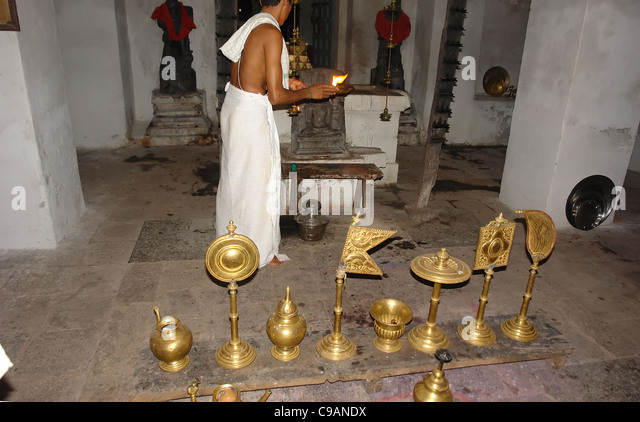 indian priest stockfotos indian priest bilder alamy. Black Bedroom Furniture Sets. Home Design Ideas
