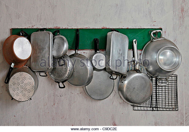 aluminium pans pots stockfotos aluminium pans pots bilder alamy. Black Bedroom Furniture Sets. Home Design Ideas