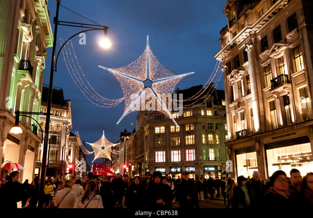london oxford street christmas shopping stockfotos. Black Bedroom Furniture Sets. Home Design Ideas