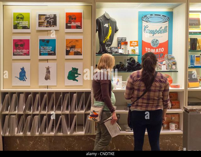 Washington Dc Museum Gift Shop Stockfotos & Washington Dc Museum ...