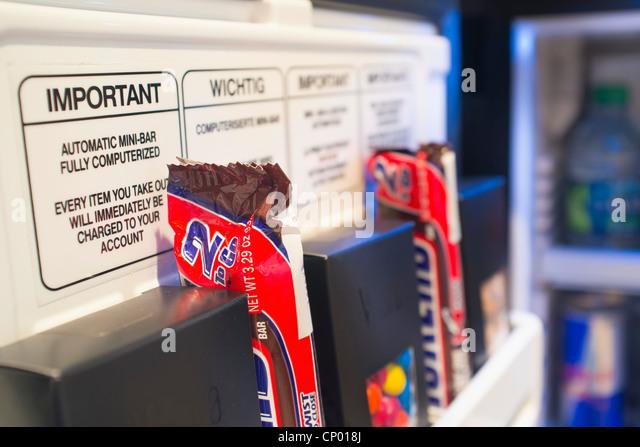 Red Bull Minibar Kühlschrank : Cooler auf rÄdern mini kühlschrank trolley kühlschrank