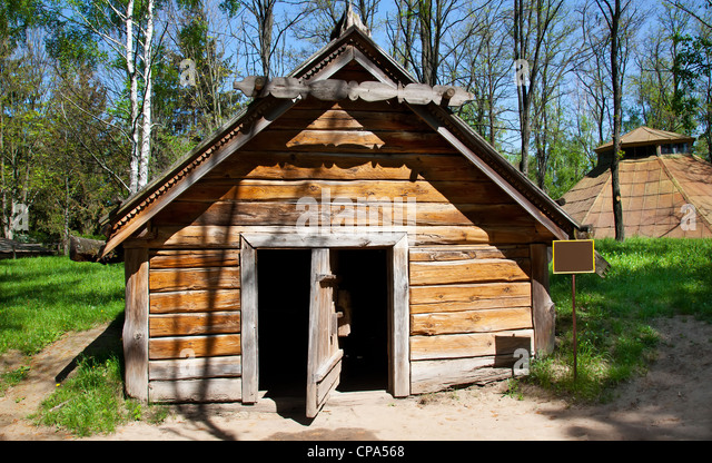 log cabin forest summer stockfotos log cabin forest summer bilder alamy. Black Bedroom Furniture Sets. Home Design Ideas