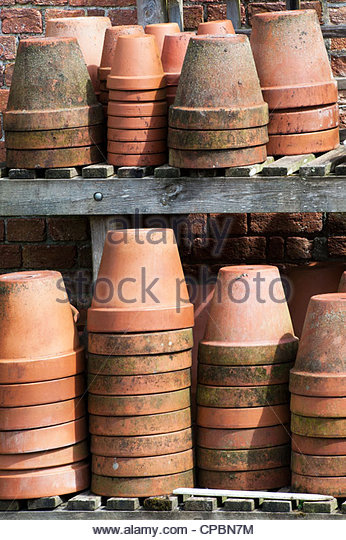 flowerpot stockfotos flowerpot bilder alamy. Black Bedroom Furniture Sets. Home Design Ideas