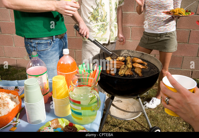 barbecue stockfotos barbecue bilder alamy. Black Bedroom Furniture Sets. Home Design Ideas