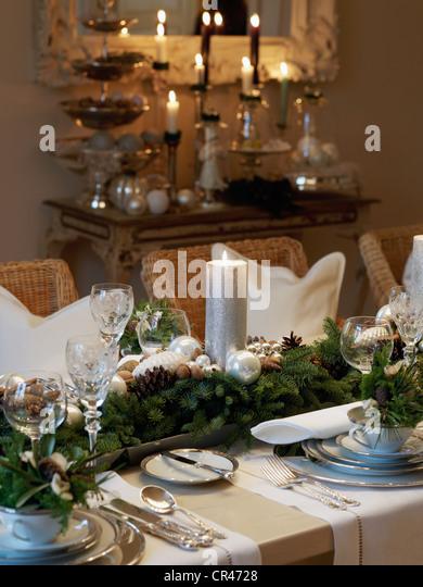 christmas centerpiece candle stockfotos & christmas centerpiece, Esszimmer dekoo