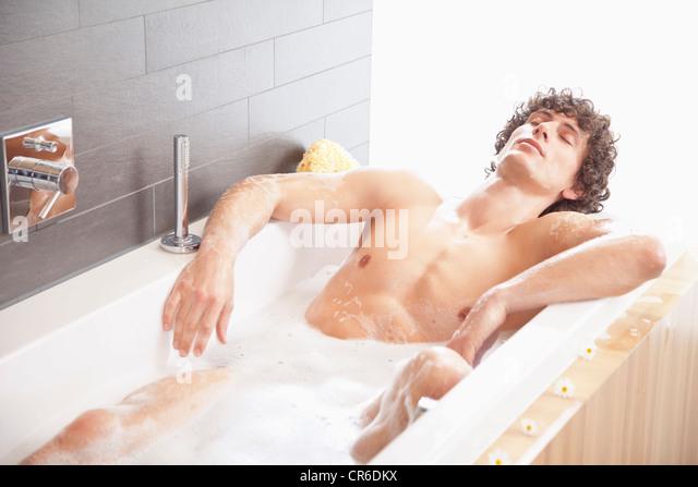 bathtub stockfotos bathtub bilder alamy. Black Bedroom Furniture Sets. Home Design Ideas
