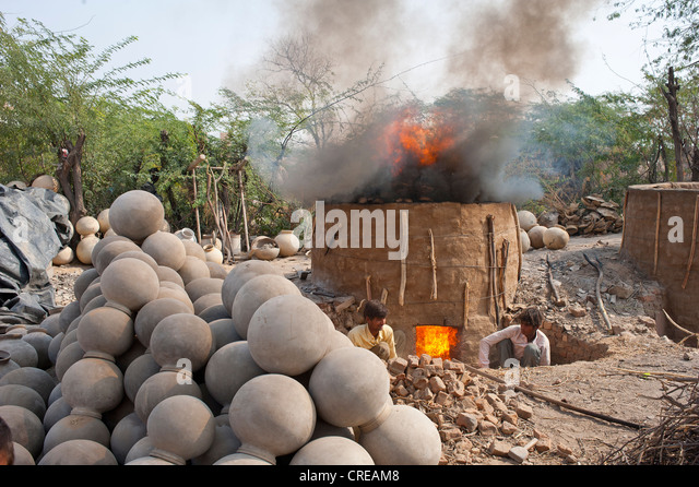 firing furnace stockfotos firing furnace bilder alamy. Black Bedroom Furniture Sets. Home Design Ideas