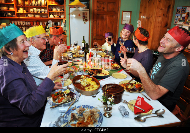 Familie Weihnachtsessen Fur Alle Generationen UK Stockbild