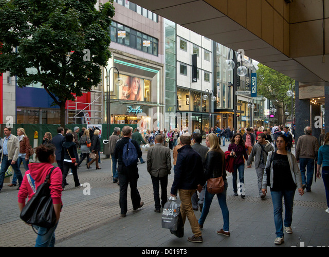 german shopping street stockfotos german shopping street bilder alamy. Black Bedroom Furniture Sets. Home Design Ideas