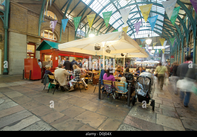 Shopping plaza stockfotos shopping plaza bilder alamy for Cafe de jardin in covent garden