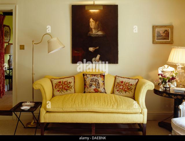 gelbes sofa yellow leather sofa schnes wohnzimmer gelbes. Black Bedroom Furniture Sets. Home Design Ideas