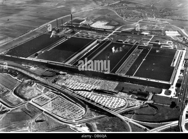 aerial view volkswagen factory in stockfotos aerial view. Black Bedroom Furniture Sets. Home Design Ideas