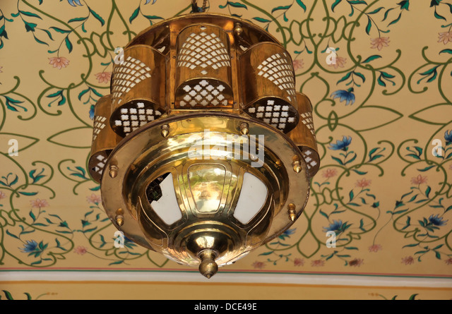 ... Kronleuchter In Indien Brass Hanging Lamp Stockfotos Brass Hanging Lamp  Bilder Alamy ...