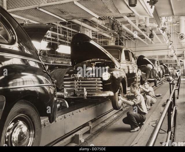 Ford Motor Company Fliessband In Den 1930er Jahren BSLOC 2013 7 104 Stockbild