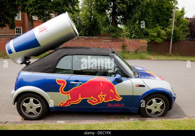 Red Bull Kühlschrank Mini Cooler : Bull red drink stockfotos bull red drink bilder alamy