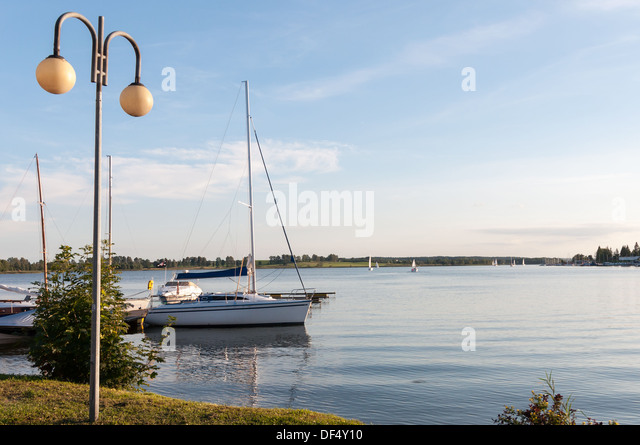 lantern mast stockfotos lantern mast bilder alamy. Black Bedroom Furniture Sets. Home Design Ideas