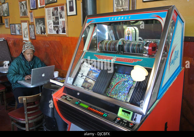 Kühlschrank Jukebox : Jukeboxes stockfotos & jukeboxes bilder alamy