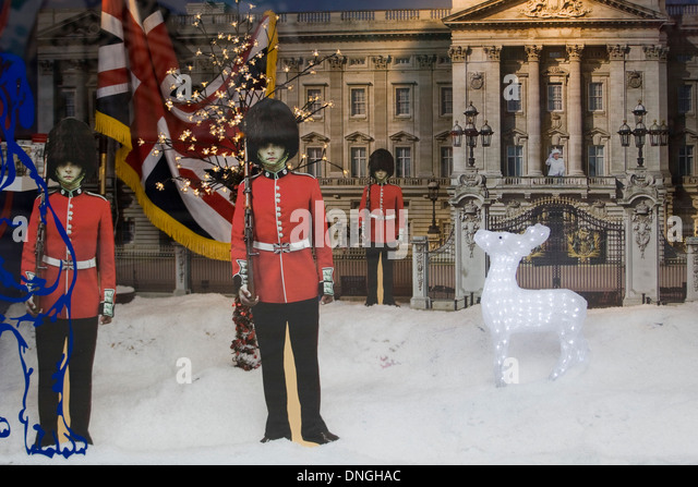 guards in front buckingham palace stockfotos guards in. Black Bedroom Furniture Sets. Home Design Ideas