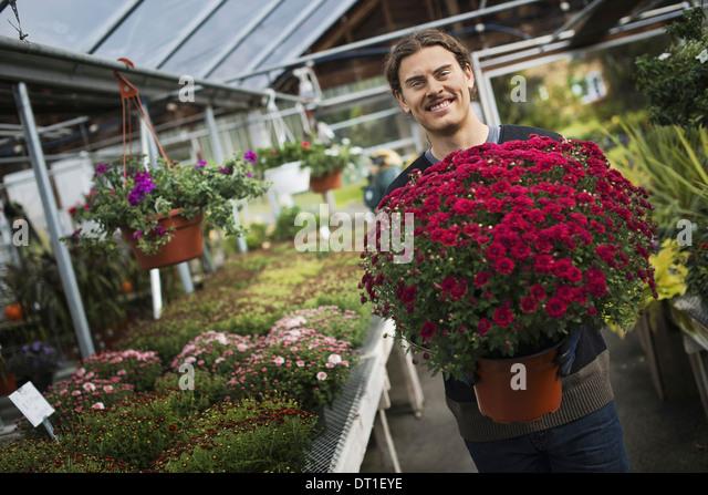 Farmer Stockfotos & Farmer Bilder - Alamy   {Junger landwirt bei der arbeit 36}